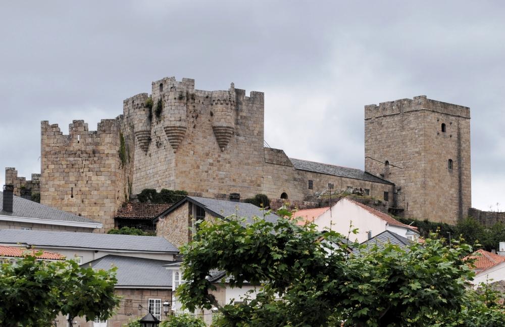 Castelo de Castro Caldelas (Ourense) © HombreDHojalata